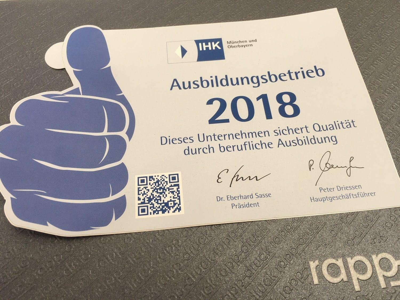 """Sticker der IHK """"Ausbildungsbetrieb 2018"""" für die Druckerei Rapp-Druck GmbH"""